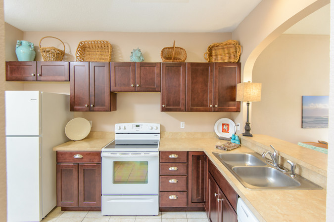 this is a sweet kitchen