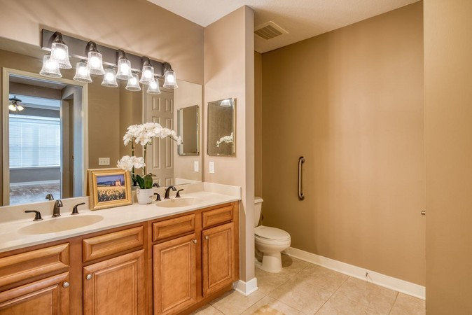 Master bath with shower